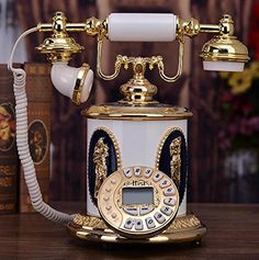 Earl court antique telephones metal technology retro phone landline European Home Decorations. The product: delivery time 20-30 days. Please read the product description. Size: 26.5 * 22.5 * 27.5cm. Material: Zinc Alloy. Technology: jade polished zinc alloy +.