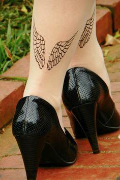 detalhe- Meia calça tattoo- 30,00. Tam.P- veste quadril de 85 a 98cm/ comprimento- de 1,40cm a 1,70cm. 3 peças. Tights