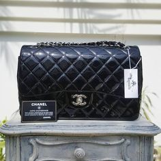 #Chanel Black Patent Classic Double Flap Jumbo SHW Condition: Pristine (dustbag/card) Price: AED 13,900  We deliver worldwide 🌎  #bagatelleboutique #bagatellechanel #chanel #chanelbags #chaneljumbo #bag #chanelbag #cocochanel #mydubai #classic #ootd #bags #fashion #trend #musthave #saudiarabia #ootn #chanelreissue #dubai #preloved #preowned #original #authentic #دبي#شنط#شانيل#شنط_ماركات Folow @fashionbookface   Folow @salevenue   Folow @iphonealiexpress…