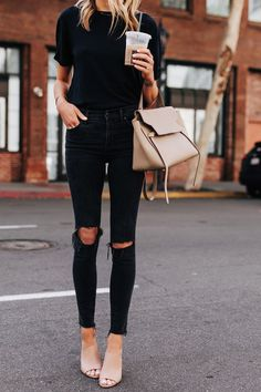 Fashion Jackson Wearing Black Tshirt Madewell Black RIpped Jeans Vince Hanna Tan Mules Celine Mini Belt Bag Source by outfits Fashion Mode, Look Fashion, Fashion Styles, All Black Fashion, Fashion Trends, Fashion Edgy, Office Fashion, Female Fashion, Petite Fashion