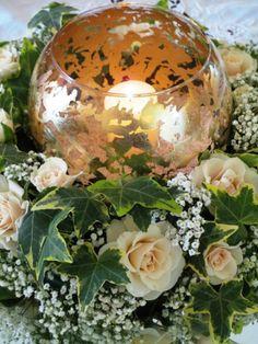Oro, verde, edera, rose rosa, specchio, candela, boccia, centrotavola
