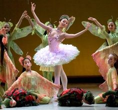 The Nutcracker has long been a Christmas season tradition, from elementary school productions to the famed New York City Ballet. Dance Picture Poses, Dance Pictures, Nutcracker Costumes, Ballet Costumes, Ballet Shows, Jaqueline Kennedy, Ballet Russe, Sugar Plum Fairy, City Ballet