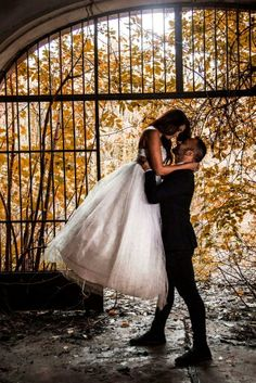 #kastély #esküvő #esküvőszervezés #kreatív fotózás Ballet Skirt, Skirts, Wedding, Fashion, Valentines Day Weddings, Moda, Tutu, Fashion Styles, Skirt