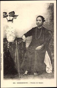 Postcard Cochinchine Vietnam, Femme de Saigon, Vietnamesin, Sitzportrait