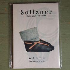 hvis du har lyst til at sy dine egne læder sko så kan du købe dette mønster og komme godt igang. det går i størrelserne 35-42. en fin vikinge sko til at bruge.
