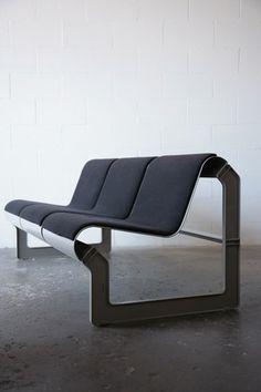 Nel Verschuuren; Enameled Metal 'Lagos' Sofa for Artifort, 1980.