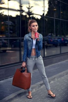 Ideas to have the perfect outfit using some amazing pants jogger Mode Outfits, Outfits For Teens, Sport Outfits, Fall Outfits, Casual Outfits, Fashion Outfits, Athletic Outfits, Athletic Wear, Sporty Summer Outfits