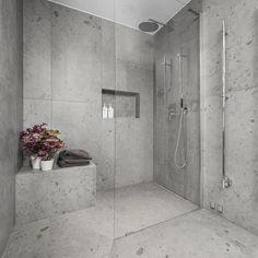 Bricmate Norrvange Granitkeramik Grey mm - Lilly is Love Diy Bathroom, Bathroom Inspo, Bathroom Layout, Bathroom Interior Design, Bathroom Storage, Bathroom Inspiration, Small Bathroom, Bathroom Grey, Light Grey Bathrooms