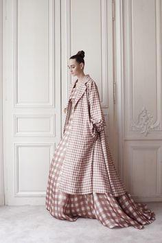 Delphine Manivet #9 robe Brabants Bon et son manteau