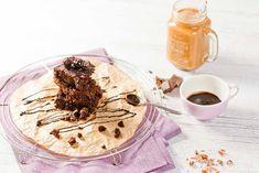 Brownies mit Nutella, saftig und schokoladig. Schnelles, einfaches Rezept für den perfekten Nachmittag mit Kaffee und Kuchen. Lecker, lecker! casualcooking.at Brownies, Camembert Cheese, Sweets, Ethnic Recipes, Food, Zucchini Cake, Baking, Nutella Recipes, Nutella Products