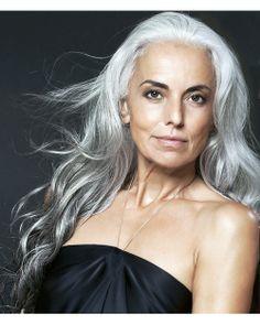 Yasmina Rossi Here she is again ..she is beautiful