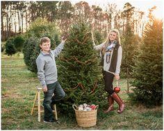 Janice Louise Photography | Delaware Family Photographer | Pine Hollow Christmas Tree Farm - Milton, Delaware | Christmas tree, holiday, portraits, siblings, ornaments, basket, ladder