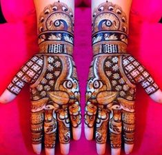 Unique Rajasthani mehndi designs for full bridal hands Dulhan Mehndi Designs, Rajasthani Mehndi Designs, Rose Mehndi Designs, Legs Mehndi Design, Full Hand Mehndi Designs, Henna Art Designs, Mehndi Design Photos, Wedding Mehndi Designs, Mehndi Designs For Fingers
