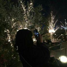 It is a harmony Night Aesthetic, Korean Aesthetic, Red Aesthetic, Aesthetic Photo, Aesthetic Space, Night Vibes, Dark Paradise, Dark Photography, Aesthetic Backgrounds