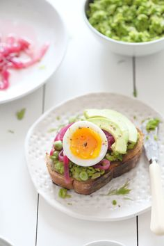 A sandwich of my favourite things; egg, peas & picked onions | Natalie Eng | Pâtisserie & Food Photography