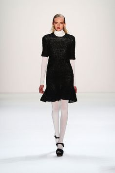 Issever Bahri Fall 2013 Ready-to-Wear Collection Slideshow on Style.com