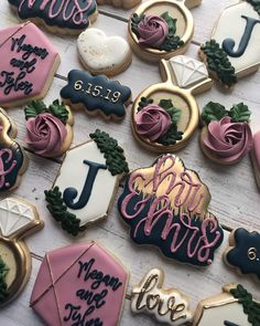 Many people believe that there is a magical formula for home decoration. You do things… Cookie Bar Wedding, Wedding Shower Cookies, Wedding Cake Cookies, Bridal Shower Desserts, Wedding Desserts, Wedding Cupcakes, Decorated Wedding Cookies, Fancy Cookies, Iced Cookies