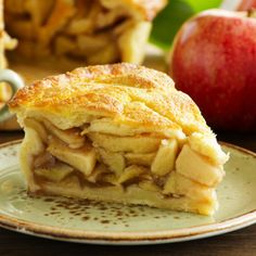 Australia& most popular apple invented right here in WA makes a delicious Pink Lady Apple Pie with your own flaky shortcrust pastry - it& sure to impress. Apple Pie With Cheese, Sour Cream Apple Pie, Apple Pie Recipes, Crockpot Recipes, Thanksgiving Recipes, Fall Recipes, American Apple Pie, Apple Benefits, Health Benefits