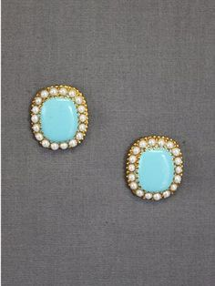 turquoise.surrounded by seed pearls perfect for summer!