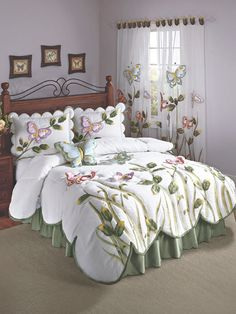 What Does Harmony Floral Comforter Bedding Mean 45 - findmynewhomes Bed Cover Design, Home Decor Bedroom, Shabby Chic Bedrooms, Bed Decor, Bed, Designer Bed Sheets, Luxury Bedspreads, Home Decor, Home Decor Furniture