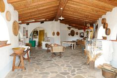 The Camisadu Agritourism Farm is situated in Oliena, at about 1 km from the centre of the town, in the province of Nuoro, in North-eastern Sardinia.