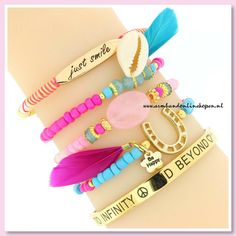 Hebben jullie deze schattige armbandjes al gespot in de shop ? Met deze vrolijke kleurtjes krijgt jouw look écht een SUMMER-BOOST! www.armbandonlinekopen.nl