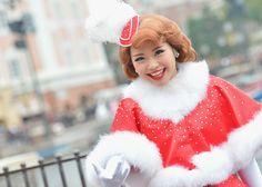 - Disney Wednesday Club 2 Amusement Park, Disney, Wednesday, Pink Ladies, Dancer, Palm, Winter Hats, Beautiful Women, Moon