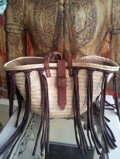 Capazo Flecos. Ibiza Style, Boho Style, Diy Straw, Ibiza Fashion, Diy Bags, Baskets, African, Couture, Crochet