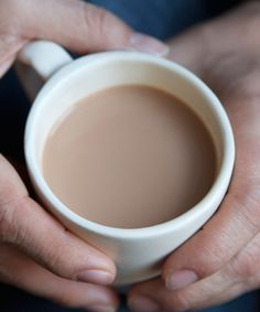 Masala Chai: the milk needs to come to a boil. Otherwise, the chai is considered 'raw' . Ginger isn't always used in everyday chai - it's normally used to add an extra kick or if someone has a cold. Tea Recipes, Cooking Recipes, Drink Recipes, Shake Recipes, Crockpot Recipes, Sweet Recipes, Chai Tea Recipe, Latte Recipe, Gourmet