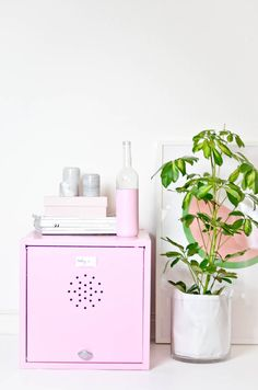 DIY pink locker // Living / at home / Spind / pale pink / makeover  http://todayis.de/makover-mini-spind/
