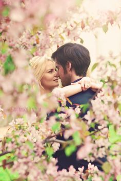 Once Upon A Time Emma and Hook Jennifer Morrison Colin O'Donoghue Once Upon A Time, Killian Jones, Colin O'donoghue, Emma Swan, Movie Couples, Cute Couples, Movies And Series, Tv Series, Ouat