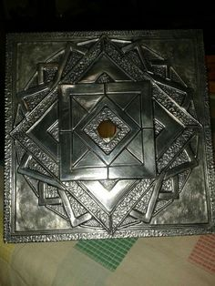 Tapa de caja repujado en aluminio