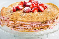 Pannenkoekentaart met aardbeien