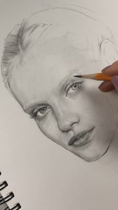 Best Picture For dessin croquis yeux For Your Taste You are looking for something, and it is going t Art Drawings Sketches Simple, Pencil Art Drawings, Realistic Drawings, Drawing Faces, Easy Drawings, Hipster Drawings, Drawing Hair, Manga Drawing, Pencil Portrait