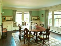 Sally Quinn and Ben Bradlee restore East Hampton's legendary Beale residence to its original grandeur. Grey Gardens House, Gray Gardens, East Hampton, Comfort Zone, Dining Table, Dining Room, Built Ins, The Hamptons, Home And Garden