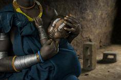 Dojemné fotografie detí pochádzajúcich z etiópskych kmeňov