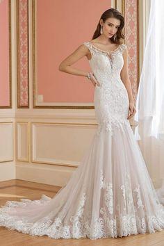 76ed0ff17d9c David Tutera for Mon Cheri Trumpet Wedding Gown | Bride Gown | #bridegown # weddingdress