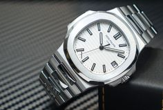 Patek Philippe [NEW] Nautilus White Dial Stainless Steel 5711/1A at HK$198,000.