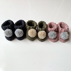 Handmade new baby gifts. Crafted from organic cotton. Handmade Baby Gifts, Personalized Baby Gifts, New Baby Gifts, Gender Neutral Baby Clothes, Organic Baby Clothes, Cotton Bag, Baby Booties, Baby Shower Gifts, New Baby Products