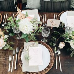 In love with this gorgeous set up by @jl_designs @bashplease @sweetnsaucyshop shot by @paigejonesphoto