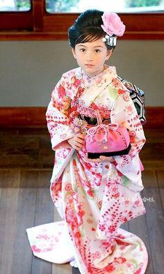 J'ai jamais eu cette Chance de porter de Kimono japonais mais les tenues Chinoises Oui