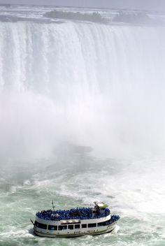 Niagara Falls is the collective name for three #waterfalls that straddle the international border between the Canadian province of Ontario and the U.S. state of New York. They form the southern end of the Niagara Gorge.