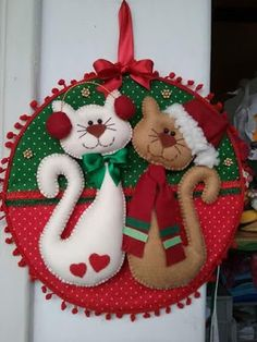 Sewing christmas gifts homemade 27 Ideas for 2019 Christmas Projects, Felt Crafts, Holiday Crafts, Diy And Crafts, Felt Christmas Decorations, Felt Christmas Ornaments, Christmas Wreaths, Christmas Sewing, Christmas Cats
