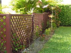 Charming Wooden fence alarm,Modern fence roseville michigan and Front yard fence wood. Garden Fence Panels, Lattice Fence, Front Yard Fence, Fence Art, Garden Fencing, Fenced In Yard, Garden Arbor, Fence Landscaping, Backyard Fences
