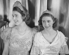 Google Image Result for http://assets.nydailynews.com/polopoly_fs/1.1088432.1338586151!/img/httpImage/image.jpg_gen/derivatives/gallery_635/princess-elizabeth-princess-margaret.jpg