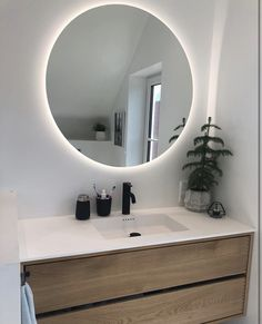 Snedker Bad Koncept møbel til dit Badeværelse Powder Room Design, Bathroom Lighting, Wood, Mirrors, Toilet, Bathrooms, Furniture, Life, Home Decor