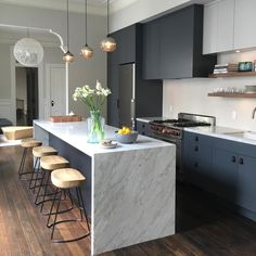 Love the idea of harsh, dark cabinetry paired with a beautiful white marble benchtop. : Love the idea of harsh, dark cabinetry paired with a beautiful white marble benchtop. Farmhouse Style Kitchen, Modern Farmhouse Kitchens, Home Decor Kitchen, Kitchen Interior, New Kitchen, Home Kitchens, Kitchen Ideas, Awesome Kitchen, Modern Kitchen Cabinets