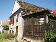 vidéki házak Pergola, Outdoor Structures, Cabin, House Styles, Modern, Home Decor, Nostalgia, Trendy Tree, Decoration Home
