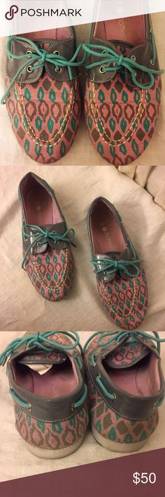 Rare Chattie's Pink/Aqua/Gray Boat Shoes/Loafers Canvas Pink,Teal/Aqua and Gray Patent Leather Boat Shoes or casual tie up loafers by Chattie's. May be Vintage. Teal Shoelaces. I love these so much but they were a little too snug on me even without socks (I'm an 8).   The label says it fits 7-8 but I would say it runs small so would fit a 6.5-7.5 more accurately. I've never seen this style or model. It is one of a kind. Wear on a boat or even loafing around:) They are gently worn as you can…