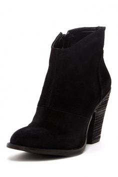 Fall booties at Nordstrom Rack - enter to win a $250 @Nordstrom_Rack Gift card #Giveaway